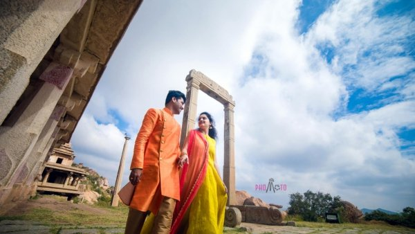 Best Costumes for pre wedding photo shoot